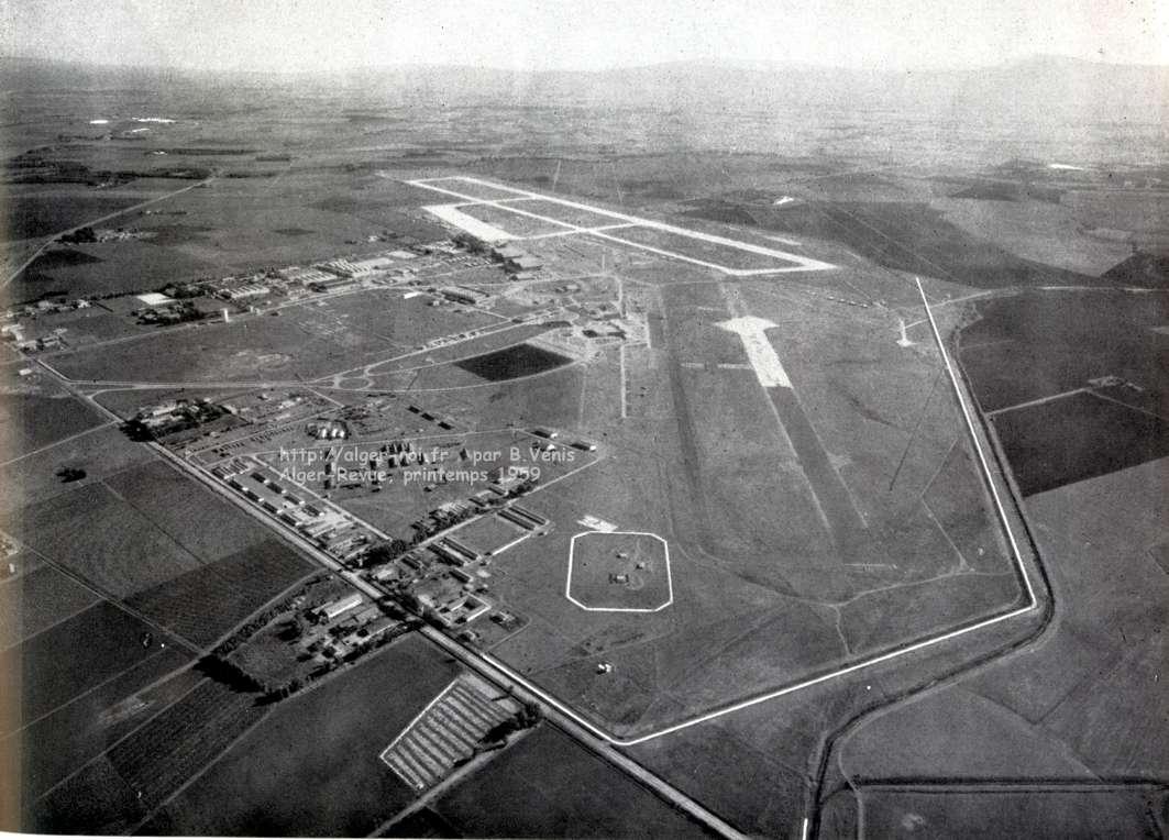 Vue aérienne de lensemble de laéroport de maison blanche au